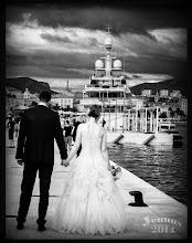 Photo: maritime Hochzeit mit Blumen und Motorboot