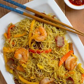 Singapore-Style Rice Vermicelli (星洲炒米)