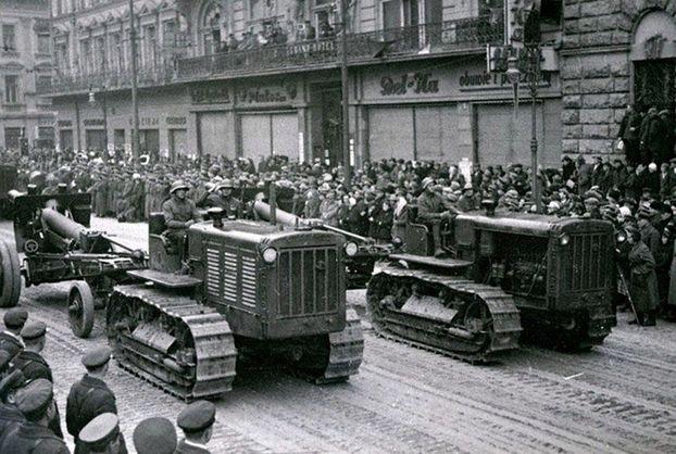 Военная техника на улицах Львова