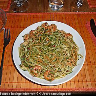Chilispaghetti mit Shrimps oder Flusskrebsschwänzen