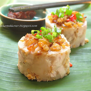 Steamed Savoury Yam Cake.