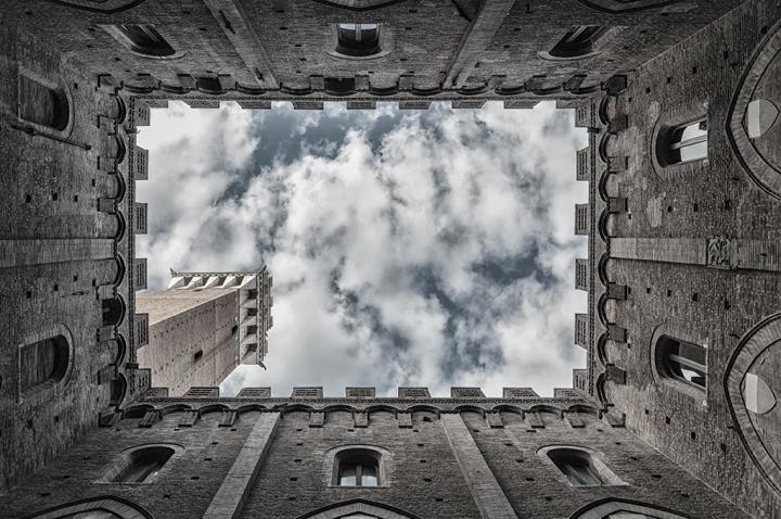 Cortile del Podestà di Samuele Tronchi