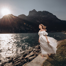 Wedding photographer Galina Nabatnikova (Nabat). Photo of 28.01.2019