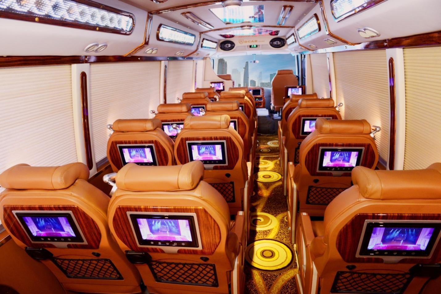 http://dongalimousine.com/wp-content/uploads/2017/12/thue-xe-limousine-16-cho-19-cho-fuso-3.jpg
