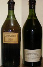 """Photo: Une bien belle bouteille de VEP Jaune, """"mise en bouteille en l'an 1963"""" précise la contre étiquette, ce qui permet de déterminer qu'il s'agit de la première cuvée de Chartreuse commercialisée sous cette appellation de V.E.P. !  Elle porte le numéro 260 et provient d'un héritage familial. (Merci beaucoup à PFG)"""