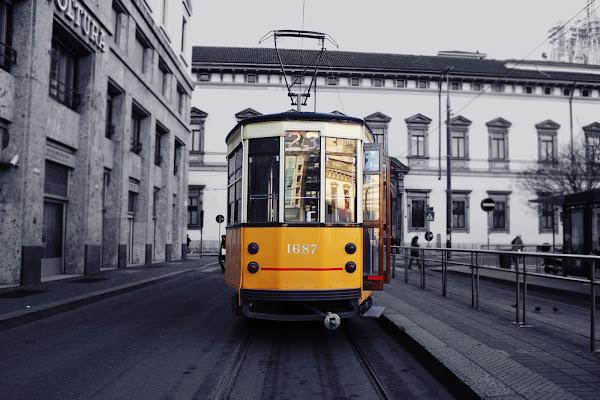 """""""Ciapa'l tram a Milàn!"""" di clairetosee"""