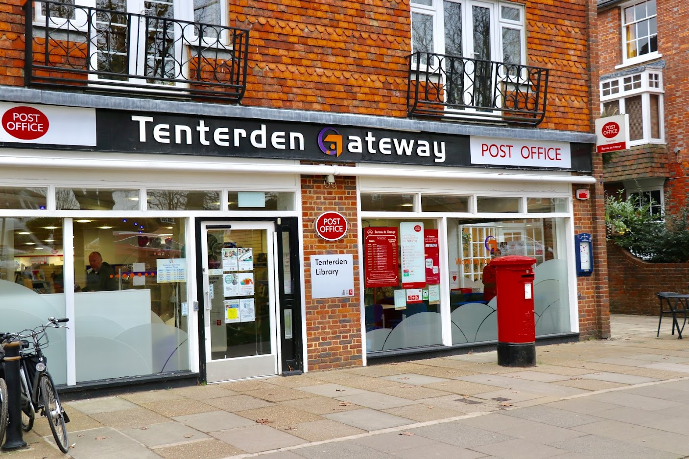 Tenterden Gateway and Tenterden Library