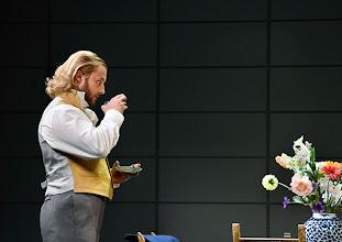 Photo: Wiener Kammeroper: EUGEN ONEGIN. Inszenierung; Ted Huffman. Premiere 2. Oktober 2014. Vladimir Dmitruk. Foto: Barbara Zeininger