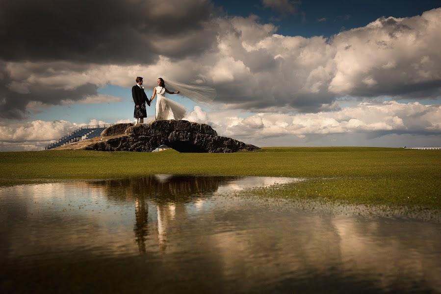 Wedding photographer Neil Redfern (neilredfern). Photo of 01.12.2017