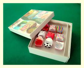 Photo: Caixa (4) Especial com várias embalagens decorativas para doces.