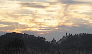 Photo: Nošovice. Pohled na kostelík ve Skalici a západ slunce nad ním.