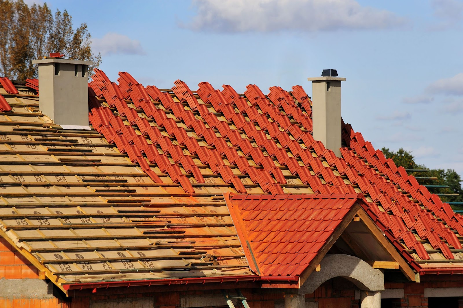 How Much Does Roof Replacement Cost in the U.S & Canada?