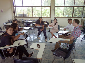 Photo: Morning discussion with Dr. Nipon and Ja's Agrobusiness students, Rajamangala University, Tung Song