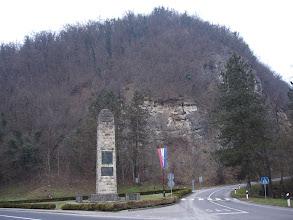 Photo: spomenik hrvatskoj himni u Zelenjaku - ovdje je pjesnik Antun Mihanović spjevao stihove 'Lijepe naše'