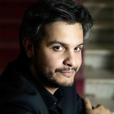 Talking with singers: Nahuel Di Pierro