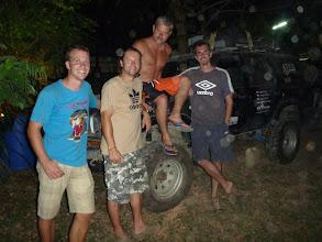 Photo: Po čtřech dnech slavnostně vyzvedáváme Josého. Poslední večer trávíme s Pavlem a Jardou, kteří nám po dobu našeho pobytu dělali společnost.