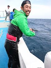 Photo: ずぶ濡れ! 大きな波が「バシャ」って頭の上から! ・・・水も滴るいい男?