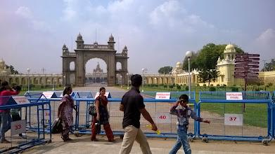 Photo: Mysore palace - hlavní brána