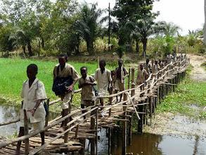 Photo: que les jeunes traversent en courant !