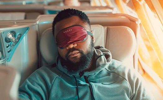Cassper Nyovest took to Twitter share that he's flying economy for the first time in three years.