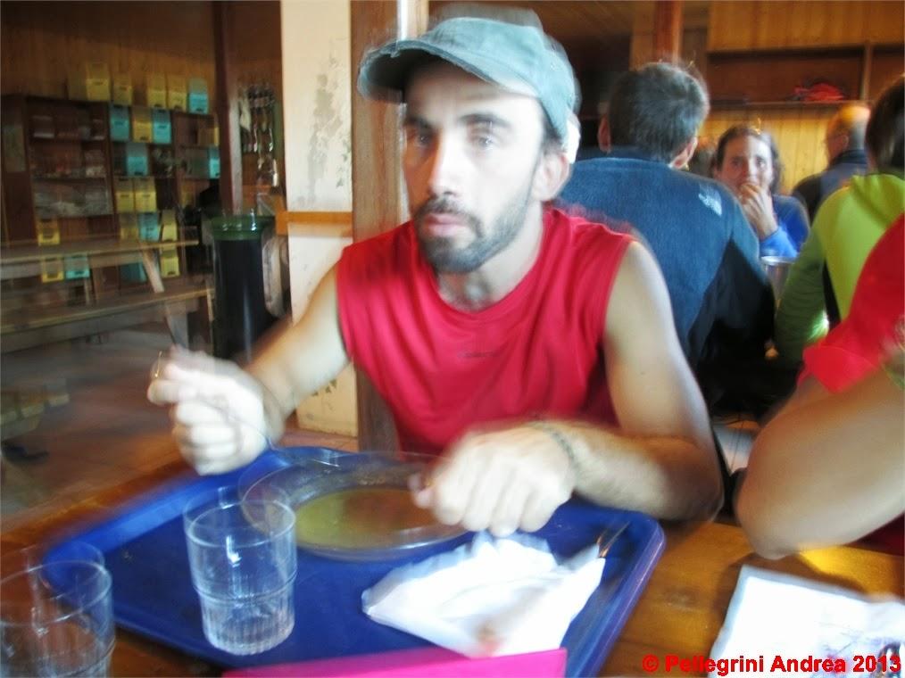 Photo: IMG_0524 Marco si gusta la cena