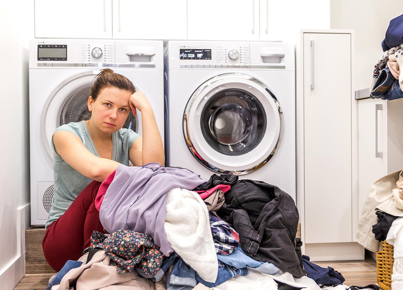 Máy giặt hỏng làm sao để giải quyết đống quần áo? Đừng lo vì đã có sửa máy giặt gần đây giải quyết nỗi lo ấy cho bạn.
