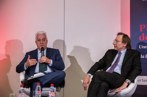 Club les echos débats avec Laurent BURELLE, Président-directeur général de Plastic Omnium