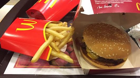 McDonald`s lanza en Almería su servicio de entrega a domicilio, McDelivery