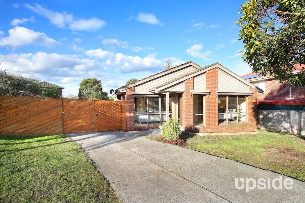 Main photo of property at 12 Kanumbra Court, Hallam 3803