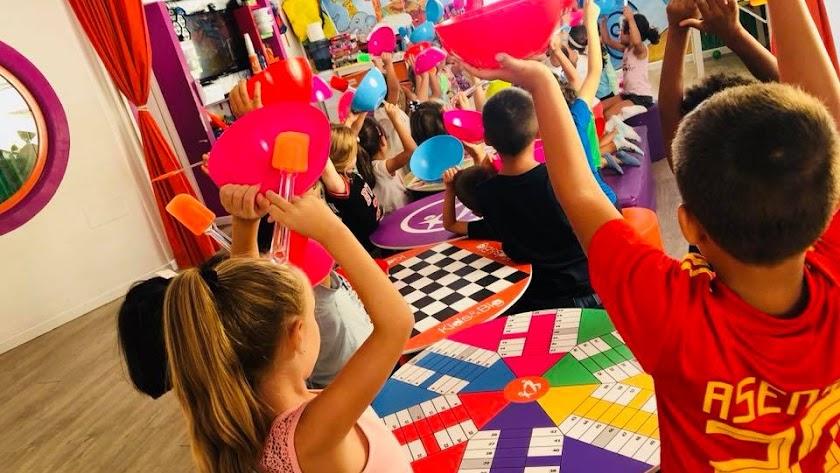 Kids and Big centro de ocio y animación infantil en Aguadulce.
