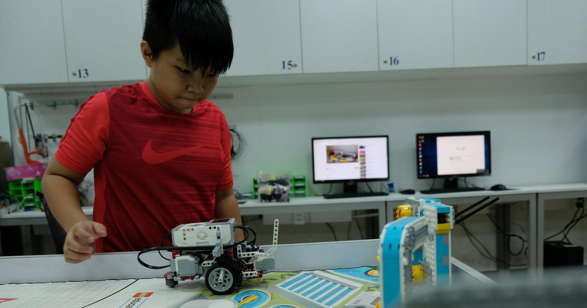 lap-trinh-robot-cho-tre-em-3.jpg