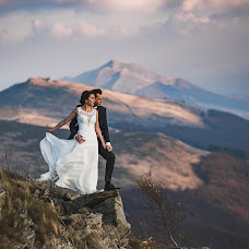 Wedding photographer Paweł Duda (fotoduda). Photo of 06.12.2018
