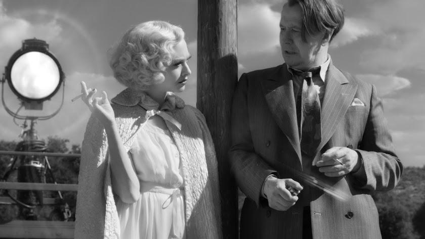 Amanda Seyfried es Marion Davies y Gary Oldman es Herman Mankiewicz en Mank.