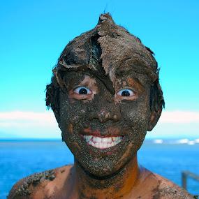 hawaiian mud bath by Little Shogun - Novices Only Portraits & People
