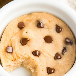 Skinny Single-Serving Chocolate Chip Mug Cake
