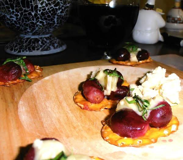 Grape & Cheese Plate