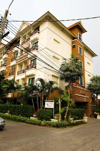 Unico Srinakarin Residence