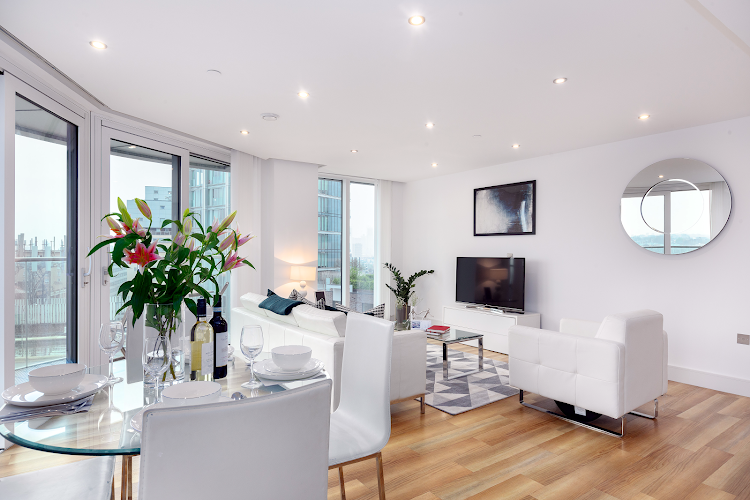 Spacious living room at Altitude Point Serviced Apartments, Aldgate