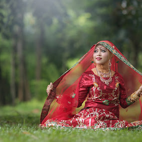 by Rahmat  Fiqih - People Portraits of Women