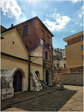 """Photo: """" Nasze rowery w cieniu Starej Synagogi na krakowskim Kazimierzu."""" - Hopfen"""