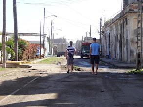 Photo: Na procházce ne až tak turistickou částí Cienfuegos.