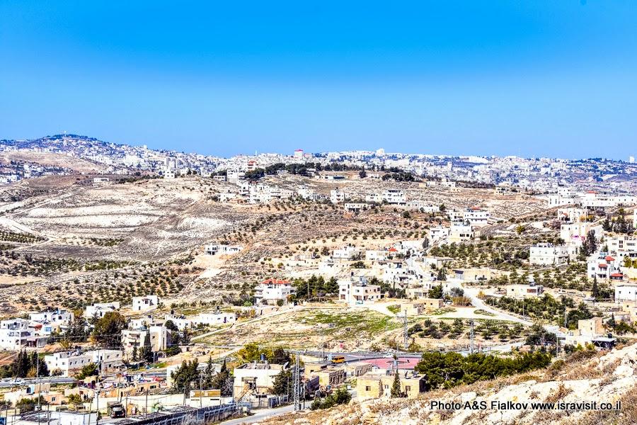 Вид на Иудейскую пустыню с горы Иродион. Экскурсии в Израиле.