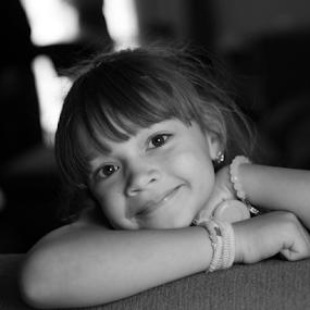 Alivia by Rob & Zet Sample - Babies & Children Child Portraits