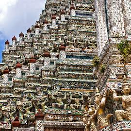 Wat Arun by Mulawardi Sutanto - Buildings & Architecture Statues & Monuments ( temple, bangkok, wat arun, thailand, travel )