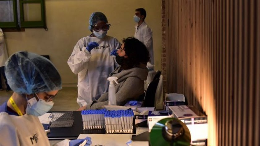 Test de antígenos practicado a una ciudadana de la provincia.