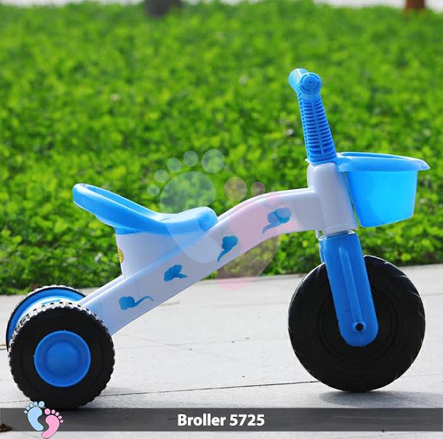 xe 3 bánh có bàn đạp cho bé
