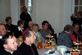 Photo: pośrodku/ obecne pierwsze członkinie WKC, które postarały się, by to miejsce było przekazane Zgromadzeniu, Irena Szatraj i Maria Gwiazdowska