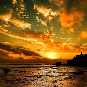 Sunset @ Tanah Lot by Sigit Setiawan - Landscapes Sunsets & Sunrises ( bali, tample, rocky beach, sunset, indonesia, beach, landscape )