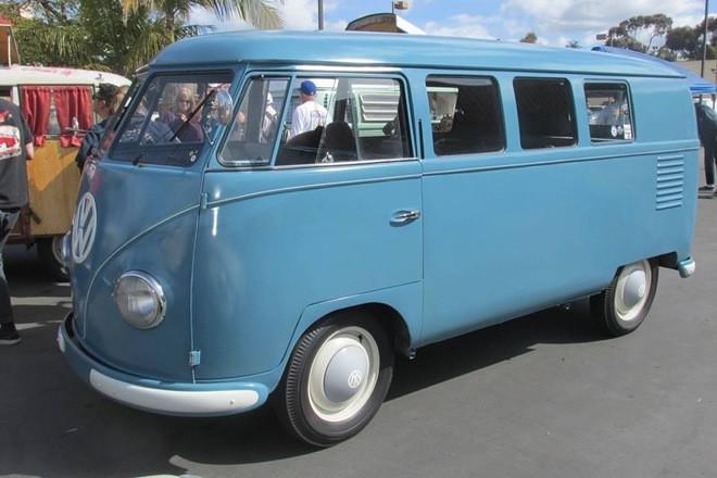 1954 vw bus 11 window Hire CA