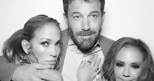 Jennifer Lopez And Ben Affleck Cuddle Up In Photo Booth Snap And It Feels Like 2002 All Over Again